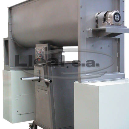 MB-1500 ribbon blender with S-50-T bagging machine mounted on the blender discharge