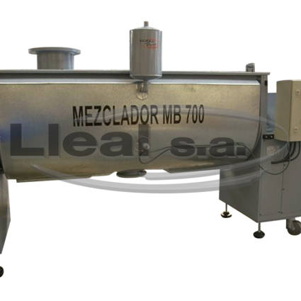 MB-700 ribbon blender with double jacket for product heating by thermal oil.