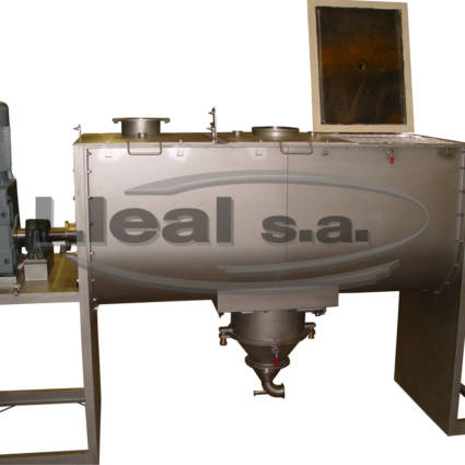 MB-3000 ribbon blender with 3 folding covers, with special outlet to assemble a pneumatic transport.