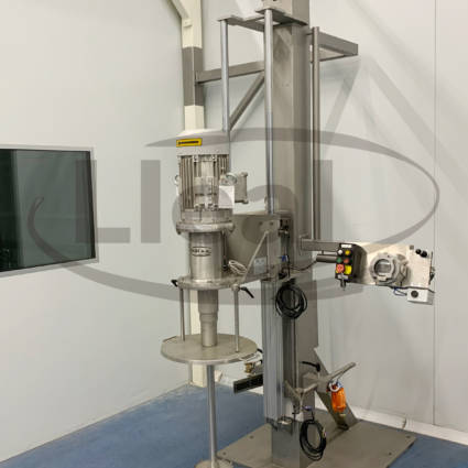 AGM-7 wall mounted agitator, ATEX protection. It has a lifting system by means of a pneumatic cylinder. Equipment designed for the manufacture of hydro-alcoholic gel.